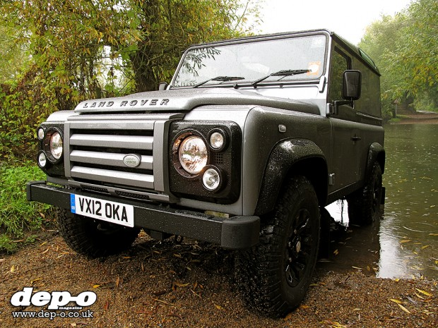 Land Rover Defender Xtech front three-quarters