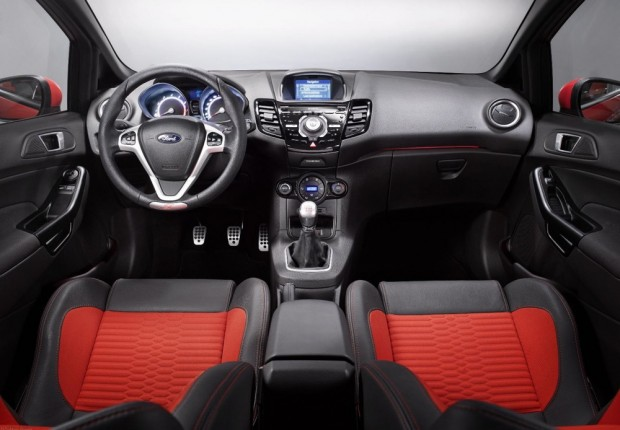 Ford Fiesta ST_interior_01