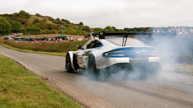 2013 Kop Hill Climb Record Crowds: Aston Martin GT ready and off